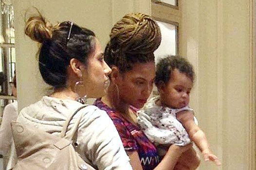 Бейонсе: з донькою і з новою зачіскою