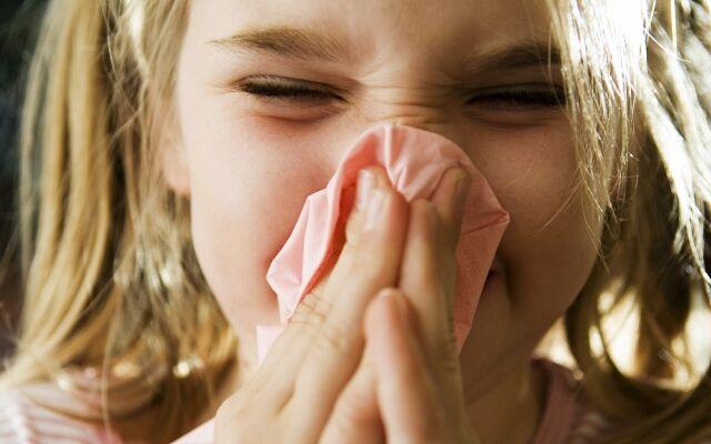 Швидко вилікувати нежить у дитини: як це зробити?
