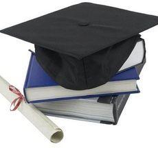 Що подарувати на закінчення університету?