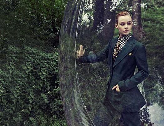 Дівчинка в кулі: кері малліган в новій фотосесії