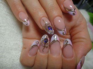 Дизайн нігтів - рідкі камені