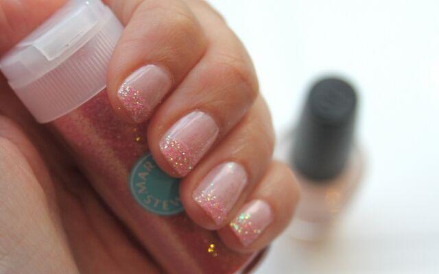 Ідеї манікюру з блискітками: блискучі нігті