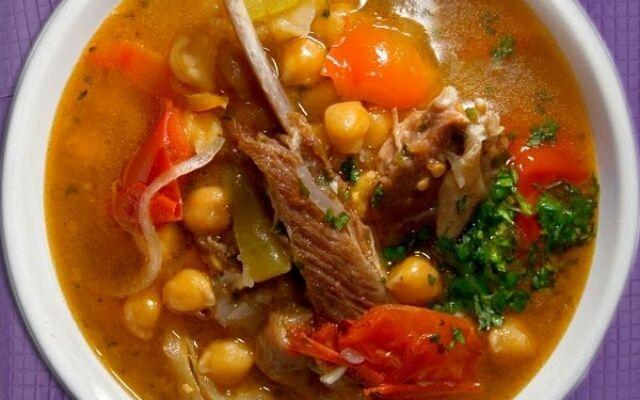 Як готувати бозбаш: суп з кислинкою