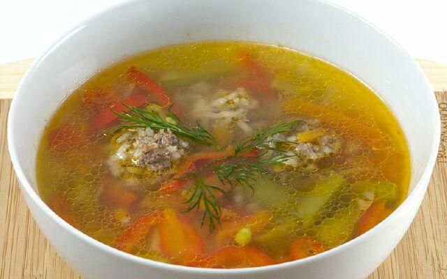 Як готувати суп з фрикадельками: апетитний і наваристий