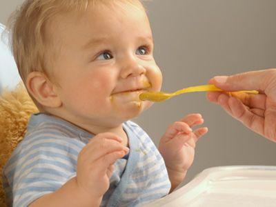 Як навчити дитину жувати