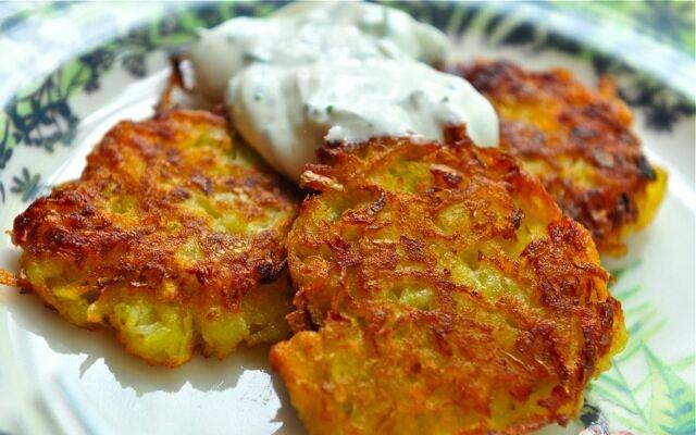 Як приготувати деруни з картоплі: легка смакота