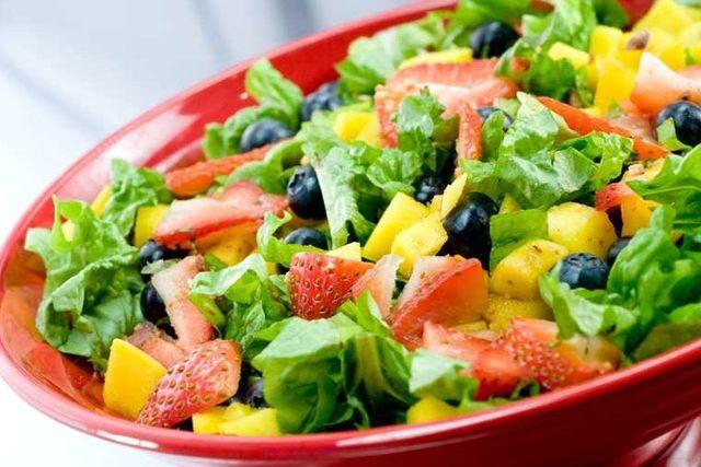 Як приготувати смачний дієтичний салат для схуднення?