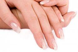 Як зробити і надати красиву форму нігтям на руках
