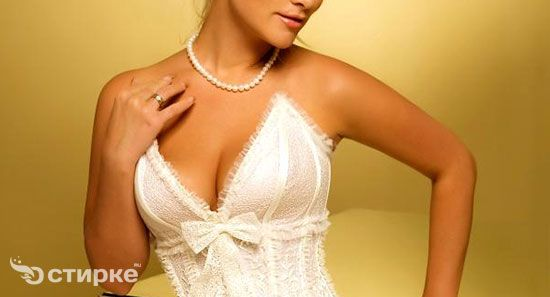Як повернути весільної сукні розкішний вигляд у домашніх умовах