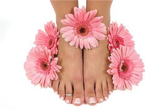 Косметичка пліткарка: догляд за ногами