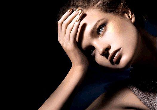 Косметичка пліткарки: рум'яна і тіні