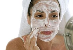 Кращі народні та домашні очищаючі маски для шкіри обличчя