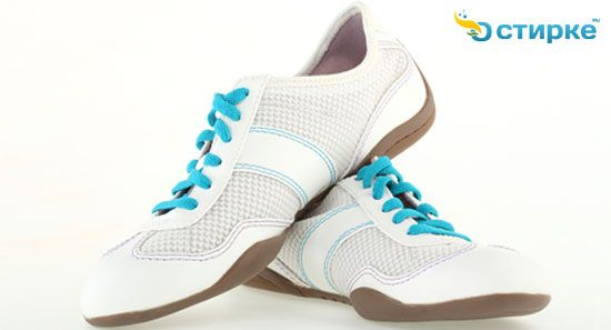 Чи можна прати спортивні кросівки в машинці