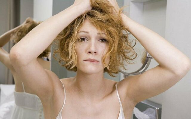 Ознаки та лікування жирної себореї шкіри голови: проблема потових залоз