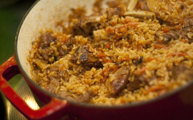 Рецепт плову зі свинини: смачне відхилення від традицій