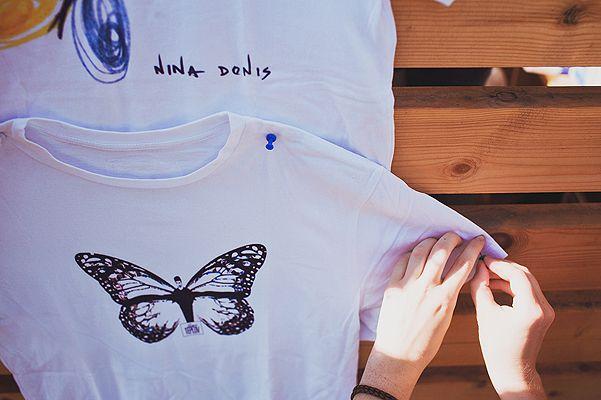 Російські дизайнери створили футболки для фонду ксенії раппопорт