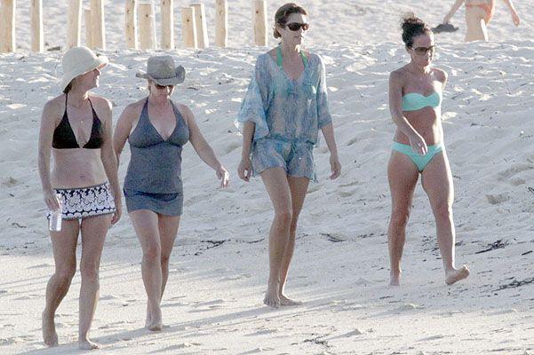 Сінді кроуфорд на пляжі в мексиці